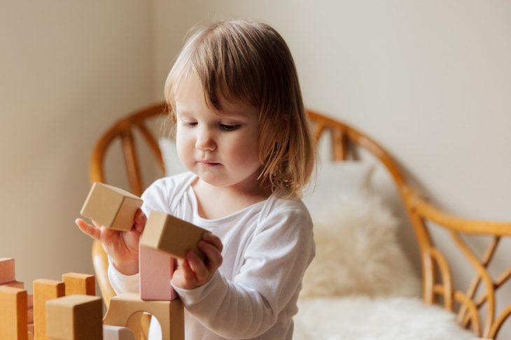Trouver des jouets en bois adapté à son enfant